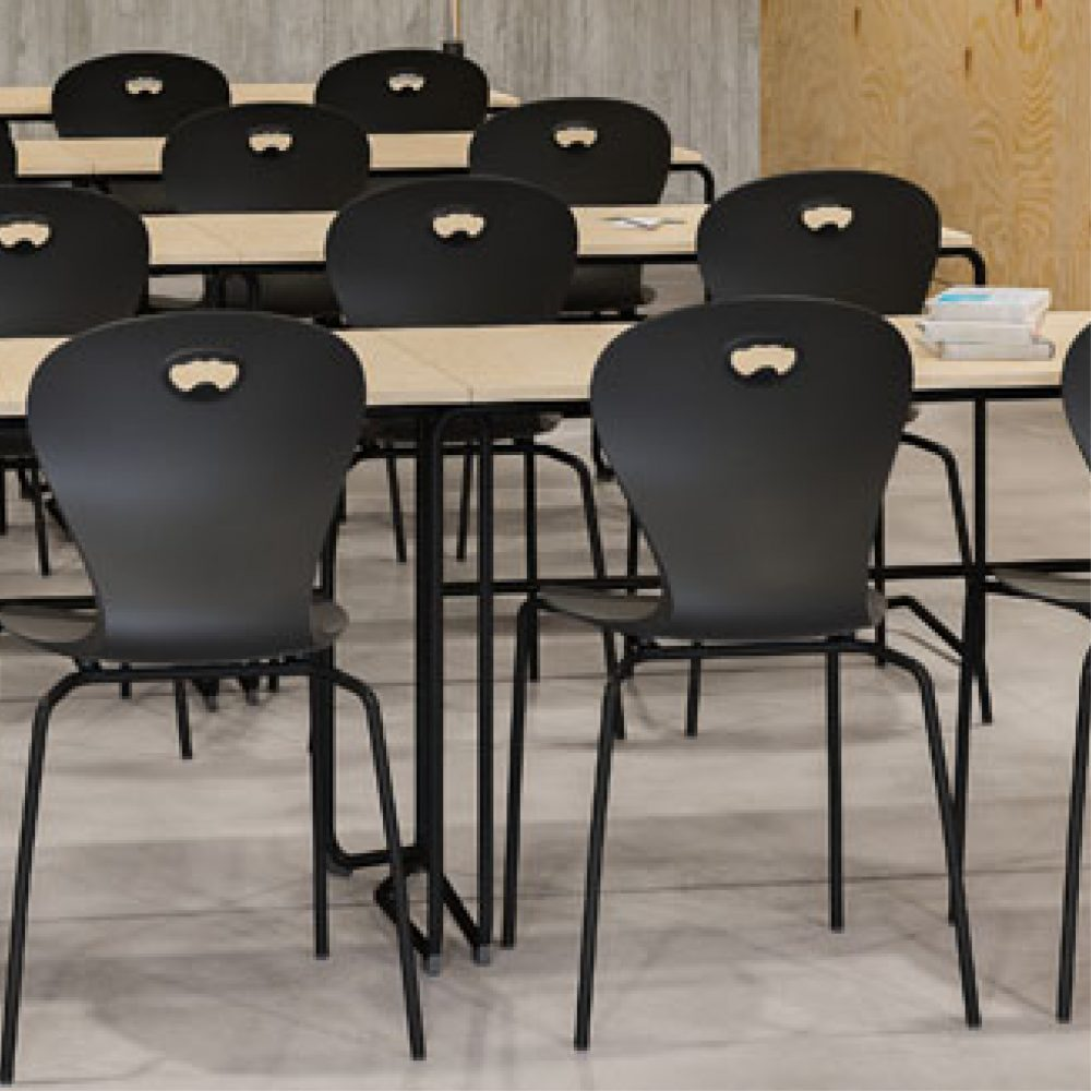 Upcycling-design-Karoline-chair-environment